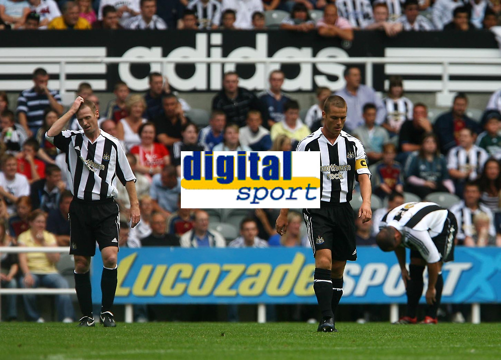 Photo: Andrew Unwin.<br /> Newcastle United v Villarreal. Pre Season Friendly. 05/08/2006.<br /> Newcastle's Scott Parker (C) looks dejected as his side concede a goal.