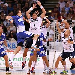 Hamburg, 24.05.2015, Sport, Handball, DKB Handball Bundesliga, HSV Handball - SG Flensburg-Handewitt : Petar Djordjic (HSV Handball, #17), Tobias Karlsson (SG Flensburg-Handewitt, #03)<br /> <br /> Foto © P-I-X.org *** Foto ist honorarpflichtig! *** Auf Anfrage in hoeherer Qualitaet/Aufloesung. Belegexemplar erbeten. Veroeffentlichung ausschliesslich fuer journalistisch-publizistische Zwecke. For editorial use only.
