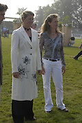 Sarah Cutteridge and Christie Wright. The Land Rover Burghley Horse Trials. 4 September. ONE TIME USE ONLY - DO NOT ARCHIVE  © Copyright Photograph by Dafydd Jones 66 Stockwell Park Rd. London SW9 0DA Tel 020 7733 0108 www.dafjones.com
