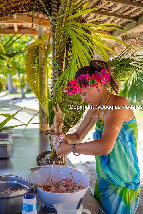 Making, Poisson Cru, Snorkeling and lunch tour on Motu Marimaora, Huahine, French Polynesia