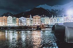 THEMENBILD - die beleuchtete bunte Häuserzeile im Stadtteil Mariahilf am Inn mit der Nordkette am Abend, aufgenommen am 23. Jänner 2021 in Innsbruck, Oesterreich // the illuminated colourful row of houses in the Mariahilf district on the Inn with the Nordkette in the evening in Innsbruck, Austria on 2021/01/23. EXPA Pictures © 2021, PhotoCredit: EXPA/ JFK