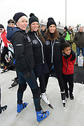 Leden van de koninklijke familie nemen deel aan de tweede editie van De Hollandse 100 op FlevOnice, een sportief evenement van fonds Lymph&Co ter ondersteuning van onderzoek naar lymfeklierkanker. <br /> <br /> Members of the royal family take part in the second edition of the Dutch 100 on FlevOnice, a sporting event Lymph & Co fund to support research into lymphoma.<br /> <br /> Op de foto / On the photo:  Prinses Annette en Rosanna Kluivert met Monique des Bouvrie