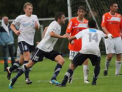 FODBOLD: Martin Skov (Kastrup) jubler efter sin scoring under kampen i DBU Pokalen mellem Kastrup Boldklub og Elite 3000 Helsingør den 31. august 2011 på Røllikevej, Kastrup. Foto: Claus Birch