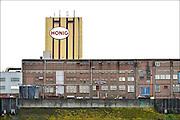 Nederland, Nijmegen, 25-11-2015 Het vroegere fabriekscomplex van de Honig fabriek. De Meesterproef, nieuw restaurant in de voormalige Honig.De gemeente wilde het fabrieksterrein gebruiken voor woningbouw, nieuwbouw woningen. Door de crisis op de woningmarkt is dit plan uitgesteld en is het een broedplaats voor culturele en creatieve activiteiten. Ook horeca zoals restaurant de Meesterproef en bierbrouwer OersoepFoto: Flip Franssen/Hollandse Hoogte