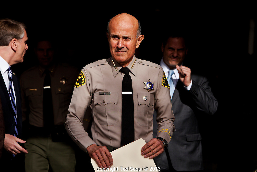 Los Angeles Sheriff Lee Baca resigns his post as Sheriff, effective at the end of January. <br /> Baca was running for re-election for LA County Sheriff, but is facing several FBI probes in to his department for civil rights abuses in the L.A. jail system, which is run by the Sheriff's dept.
