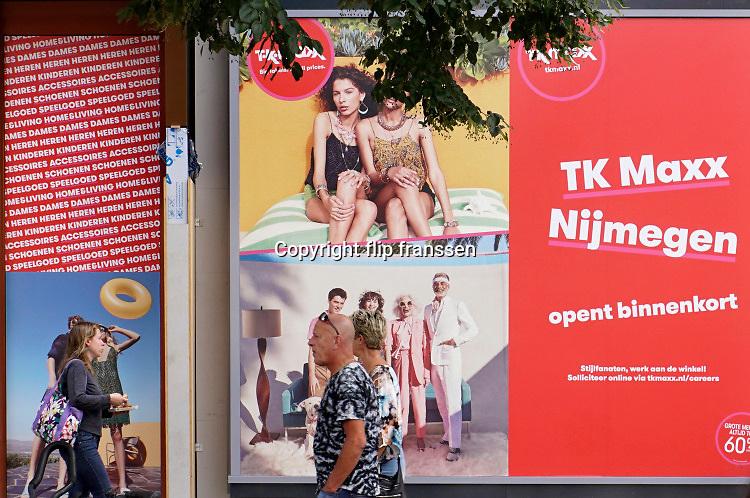 Nederland, Nijmegen, 20-8-2019  Binnenkort opent winkelketen TK Maxx haar deuren in het vroegere pand van vend in de Nijmeegse binnenstad . TKMaxx is een amerikaanse retailer, kledingketen, die vooral klieding verkoopt .Foto: Flip Franssen