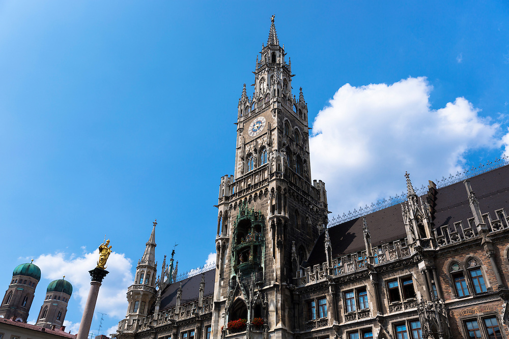 Ratskeller clock tower of Neues Rathaus in Marienplatz in Munich, Bavaria, Germany