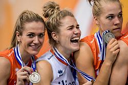 01-10-2017 AZE: Final CEV European Volleyball Nederland - Servie, Baku<br /> Nederland verliest opnieuw de finale op een EK. Servië was met 3-1 te sterk / Maret Balkestein-Grothues #6 of Netherlands, Kirsten Knip #1 of Netherlands, Femke Stoltenborg #2 of Netherlands