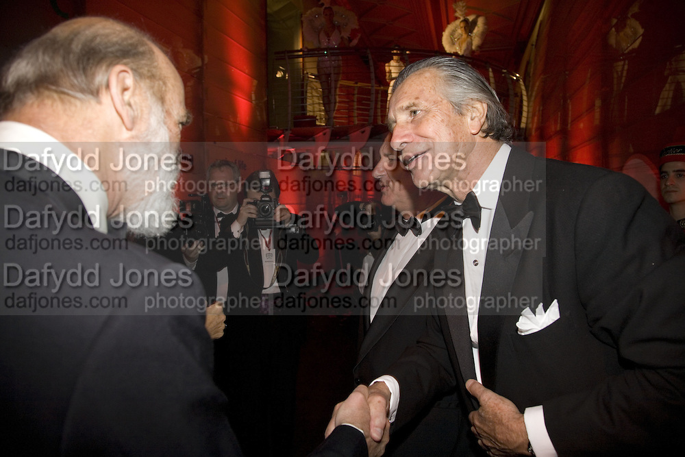 PRINCE  MICHAEL OF KENT AND ARNAUD BAMBERGER, PRINCE AND PRINCESS MICHAEL OF KENT, Cartier Dinner to celebrate the re-opening of the Cartier U.K. flagship store, New Bond St. Natural History Museum. 17 October 2007. -DO NOT ARCHIVE-© Copyright Photograph by Dafydd Jones. 248 Clapham Rd. London SW9 0PZ. Tel 0207 820 0771. www.dafjones.com.