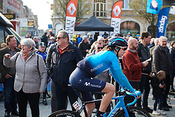 Gloria Rodriguez (ESP) makes her way to the start at Gent Wevelgem - Elite Women 2019, a 136.9 km road race from Ieper to Wevelgem, Belgium on March 31, 2019. Photo by Sean Robinson/velofocus.com