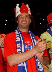 02-06-2003 NED: Huldiging bekerwinnaar FC Utrecht, Utrecht<br /> De spelers en de technische staf kregen een rondrit door de stad in een open Engelse dubbeldekker. Om 20.30 uur keert de stoet terug in Galgenwaard en zal in het stadion de officiële huldiging plaatsvinden / Jean Paul de Jong