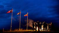 22.09.2015 Punsk woj podlaskie Dzien Jednosci Baltow . Swieto zostalo uchwalone w 2000 r. przez parlamenty dwu baltyckich krajow - Litwy i Lotwy - na pamiatke bitwy pod Szawlami w 1236 roku , podczas ktorej zjednoczone sily mieszkancow Zmudzi , Auksztoty oraz Zemgalow rozbily armie zakonu Zakonu Kawalerow Mieczowych . Tego dnia na wzgorzach zamkowych w polnocno-wschodniej Polsce - zamieszkanej przez mniejszosc litewska , oraz na Litwie , Lotwie , Estonii plona ogniska n/z ognisko na gorze zamkowej w poblizu Punska fot Michal Kosc / AGENCJA WSCHOD