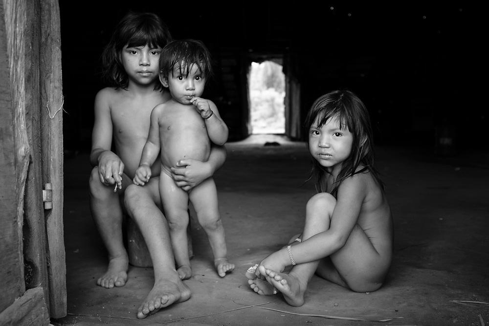 Aldeia Amary, etnia Yawalapiti/Kamaiurá, Alto Xingu.