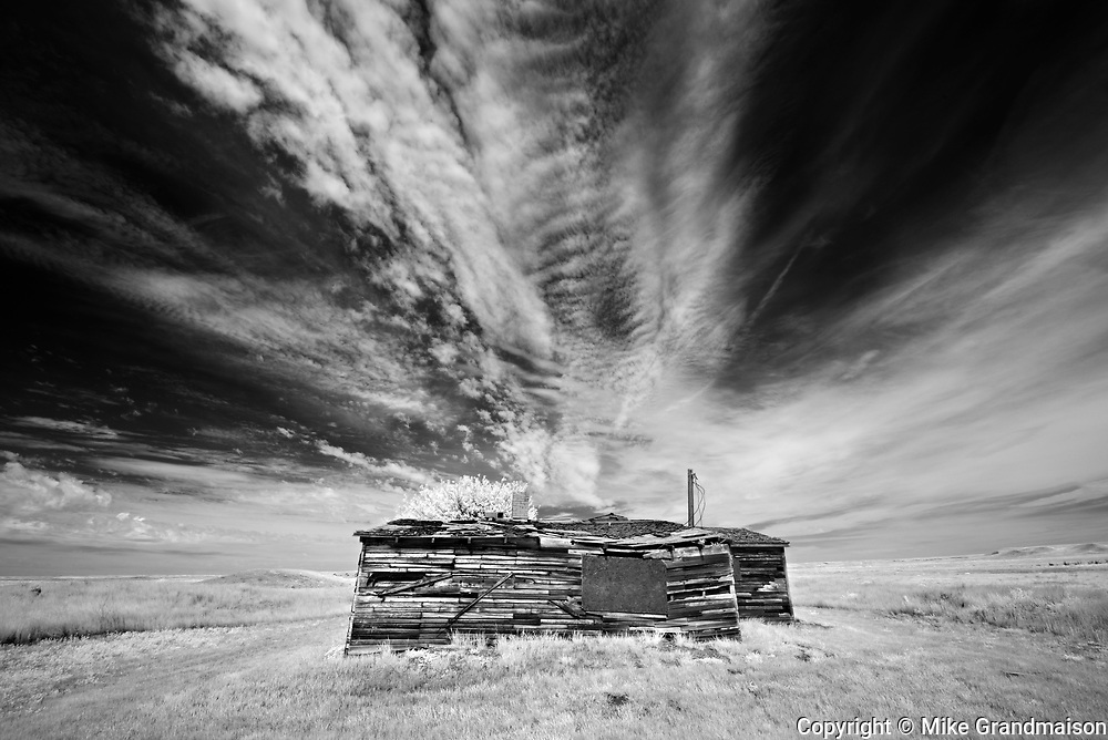 Old building and clouds<br />