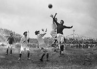 H875<br /> Aonach Tailteann Athletics - Croke Park. America v Ireland. 16/8/28. (Part of the Independent Newspapers Ireland/NLI Collection)