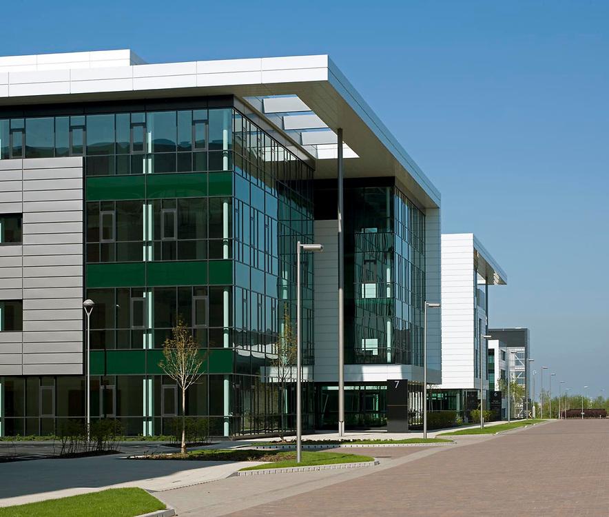 OFFICE BUILDINGS / BUSINESS PARKS