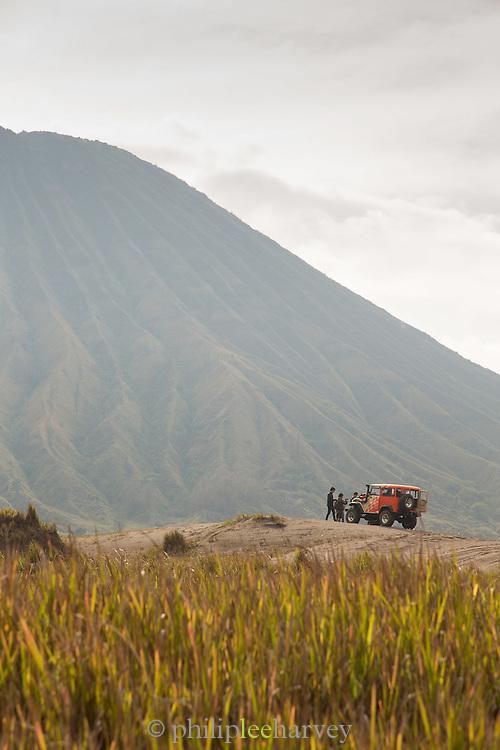 Toyota Land cruiser, foot of Mount Bromo, Mount Bromo Crater, Mt Bromo, Tengger massif, East Java, Indonesia, Southeast Asia