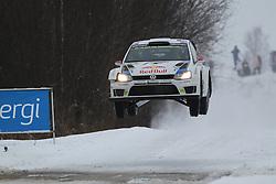 06.02.2014, Torsby, Hagfors, SWE, FIA, WRC, Schweden Rallye, Tag 2, im Bild Jari-Matti Latvala/Miikka Anttila (Volkswagen Motorsport/Polo R WRC), Action / Aktion, Jump, Sprung // during the FIA WRC Sweden Rally at the Torsby in Hagfors, Sweden on 2014/02/07. EXPA Pictures © 2014, PhotoCredit: EXPA/ Eibner-Pressefoto/ Bermel<br /> <br /> *****ATTENTION - OUT of GER*****