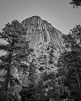 Devils Tower. Image taken with a Nikon D200 camera and 18-70 mm kit lens (ISO 100, 24 mm, f/5.6, 1/125 sec).