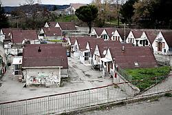 Potenza (PZ), 23-11-2010 ITALY - Il quartiere Bucaletto. Bucaletto è un quartiere popolare della periferia est di Potenza. Fu progettato all'indomani del terremoto dell'Irpinia del 23 novembre 1980, per risolvere i problemi delle famiglie sfollate a causa dei crolli di alcune abitazioni della città, difatti è caratterizzato dalla presenza di abitazioni singole, in prefabbricati.Nella Foto: I moduli abitativi del quartiere.