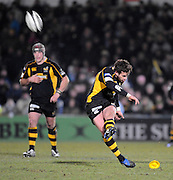 Wycombe, GREAT BRITAIN,  Wasps, Danny CIPRIANI, kicking  a first half penalty, during the London Wasps vs Harlequins at Adam's Park Stadium, Bucks on Sun 04.01.2009. [Photo, Peter Spurrier/Intersport-images]