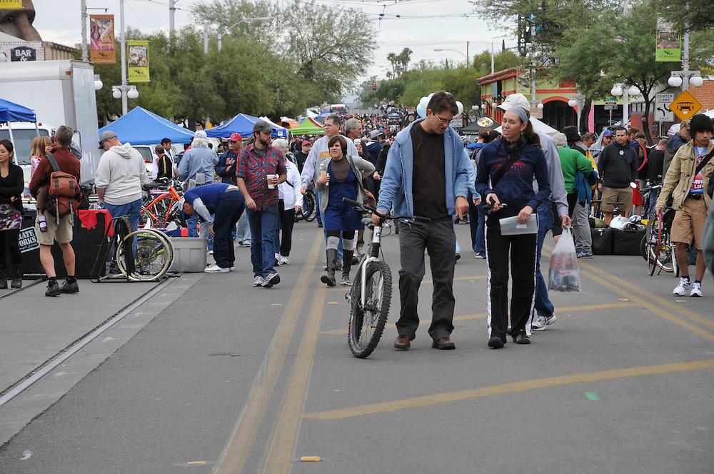 Crowds of shoppers at 2011 Fall Bicycle Swap Meet, Tucson, Arizona. Bike-tography by Martha Retallick.