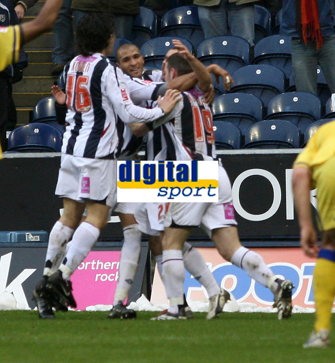 Photo: Mark Stephenson.<br />West Bromwich Albion v Southampton. Coca Cola Championship. 10/02/2007.West Brom celebrate their goal