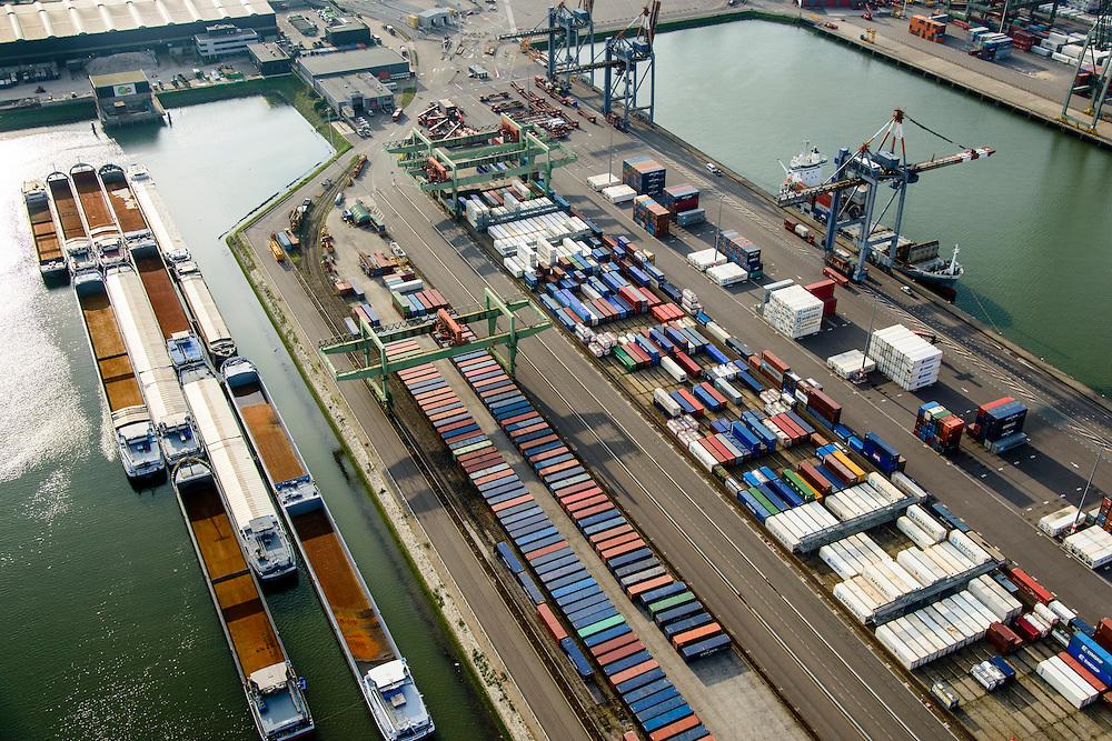 Nederland, Zuid-Holland, Rotterdam, 28-09-2014; Heijplaat met Waalhaven. <br /> Containerterminals en containeroverslag tussen zeeschepen en binnenvaartschepen.<br /> Waalhaven, container storage and transshipment, the Port of Rotterdam   (Waal harbour).<br /> luchtfoto (toeslag op standard tarieven);<br /> aerial photo (additional fee required);<br /> copyright foto/photo Siebe Swart.