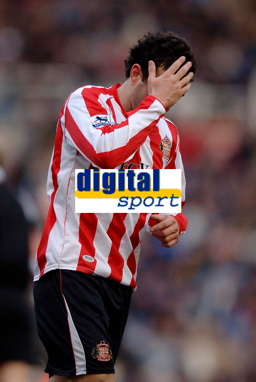 Photo: Glyn Thomas.<br />Birmingham City v Sunderland. The Barclays Premiership. 25/02/2006.<br />Sunderland's Julio Arca holds his head in despair after missing a great chance to score a goal.