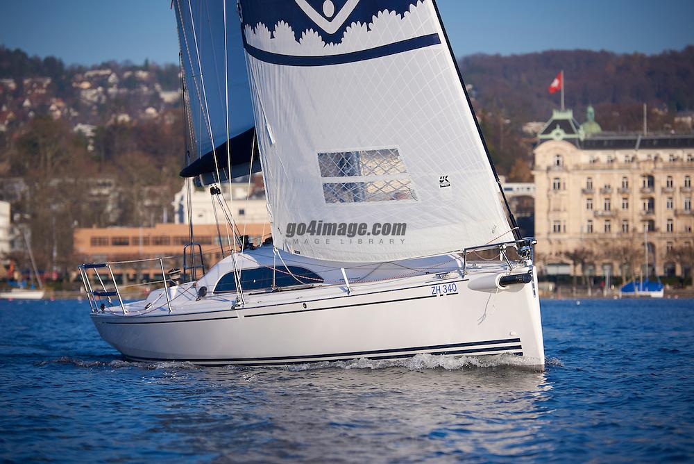 Zurich Dezember 2015, Fotoshootings mit Markus Krucker, WS Bootsschule mit Bank Schroders Werbung auf dem Zürichsee, Boot XP 33