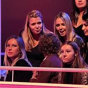 NLD/Hilversum/20130119 - 4e Liveshow Sterren Dansen op het IJs 2013, Daria Nucci, Michael Boogerd, Jenny Smit, Monique Smit , Sieneke