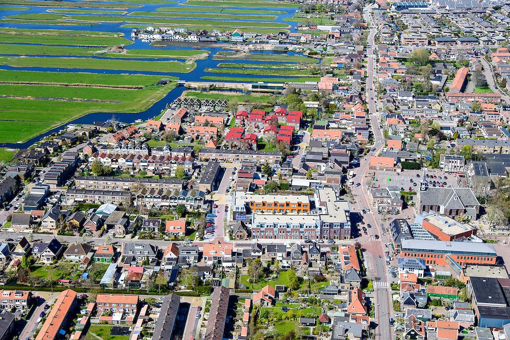 Nederland, Noord-Holland, regio Waterland, 20-04-2015; Oostzaan, Kerkebuurt <br /> met de dorpsstraat Noordeinde.  Het dorp maakt deel uit van de  Stadsregio Amsterdam (plusregio). <br /> Oostzaan, village north of Amsterdam.<br /> luchtfoto (toeslag op standard tarieven);<br /> aerial photo (additional fee required);<br /> copyright foto/photo Siebe Swart