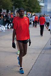 Abdi Abdirahman pre-race warmup