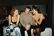 Robert Hanson and Sophie Anderton. Gilda's Club party. Isola. London. 5/2/01 © Copyright Photograph by Dafydd Jones 66 Stockwell Park Rd. London SW9 0DA Tel 020 7733 0108 www.dafjones.com