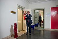 DEU, Deutschland, Germany, Erfurt, 26.06.2014: <br />Bodo Ramelow, Fraktionsvorsitzender DIE LINKE in Thüringen, steht für ein Portrait vor seinem Büro im Thüringer Landtag.