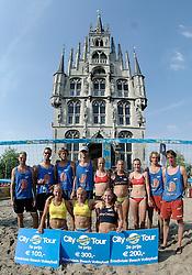 18-06-2006 VOLLEYBAL: CITY BEACH TOUR: GOUDA<br /> De finales van de City Beach! Tour stond dit weekend op de markt van Gouda / de winnaars<br /> ©2006-WWW.FOTOHOOGENDOORN.NL