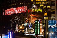 New York. Times square. mirror game on the buidings. on Renaissance hotel  New york - United states  Manhattan / reflets sur les immeubles de, Times square  New york - Etats unis