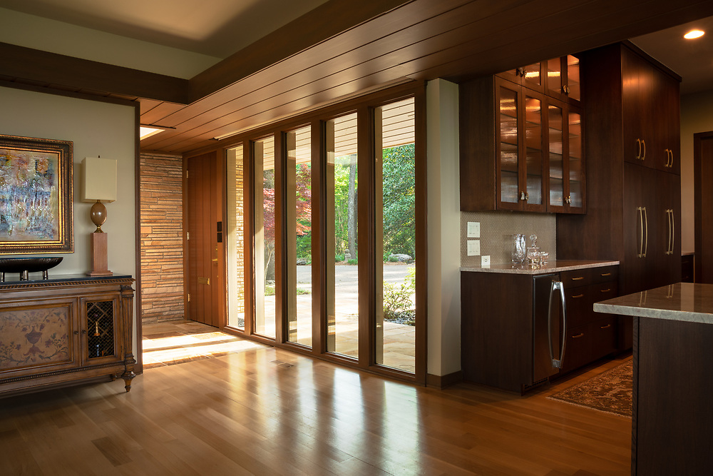 Yeary Lindsey Architects residential remodeling update project in Little Rock, Arkansas. Image created by commercial photographer, Alex Kent