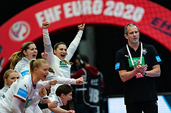 Coach Henk Groener of Germany during the Women's EHF Euro 2020 match between Germany and Poland at Sydbank Arena on december 07, 2020 in Kolding, Denmark (Photo by RHF Agency/Ronald Hoogendoorn)