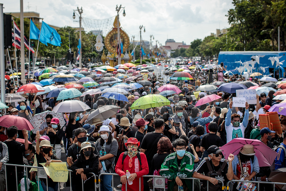 © Licensed to London News Pictures. 16/08/2020. Bangkok, Thailand. Thousands of protesters attend a demonstration against the government at Democracy Monument in Bangkok, Thailand on Sunday 16th, August 2020. Among the protesters' demands are calls for reform of Thailand's monarchy. Photo credit: Jack Taylor/LNP