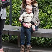 NLD/Amsterdam/20140504 - Dodenherdenking 2014 Olympisch Stadion, Barbara Barend en dochter Livia
