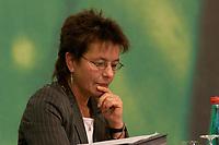 28 NOV 2003, DRESDEN/GERMANY:<br /> Angelika Beer, B90/Gruene Bundesvorsitzende, 22. Ordentliche Bundesdelegiertenkonferenz Buendnis 90 / Die Gruenen, Messe Dresden<br /> IMAGE: 20031128-01-039<br /> KEYWORDS: Bündnis 90 / Die Grünen, BDK<br /> Parteitag, party congress, Bundesparteitag