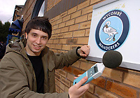 Photo: Leigh Quinnell.<br /> Wycombe Wanderers v Shrewsbury Town. Coca Cola League 2. 11/03/2006. Reporter Nic Brunelti arrive at Wycombe to test the crowd noise.