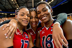 07-07-2017 NED: World Grand Prix Netherlands - Dominican Republic, Apeldoorn<br /> First match of first weekend of group C during the World Grand Prix / Gina Altagracia Mambru Casilla #17, Angelica Maria Hinojosa Diaz #9, Bethania De La Cruz De Pena #18 C posing for the photographer