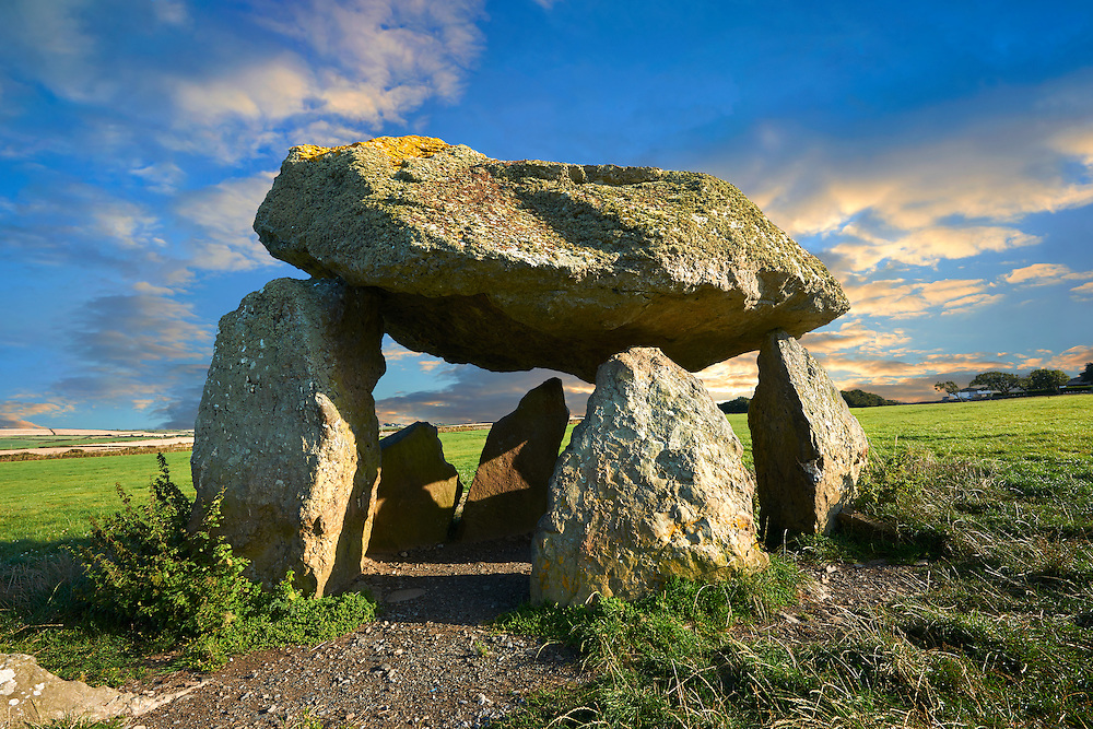 Carreg Samson or Samson's Stone, a 5000 year old Neolithic dolmen burial chamber, near Abercastle, Pembroke, Wales