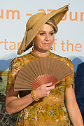 Staatsbezoek van Koning en Koningin aan de Republiek Italie - dag 4 - Milaan /// State visit of King and Queen to the Republic of Italy - Day 4 - Milan<br /> <br /> Op de foto / On the photo:  Koning Willem-Alexander en koningin Maxima bezoeken het Design Museum Triennale <br /> <br /> King Willem-Alexander and Queen Maxima visit the Design Museum Triennale