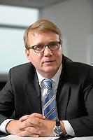 03 JAN 2008, BERLIN/GERMANY:<br /> Ronald Pofalla, CDU Generalsekretaer, waehrend einem Interview, in seinem Buero, Konrad-Adenauer-Haus<br /> IMAGE: 20080103-01-011