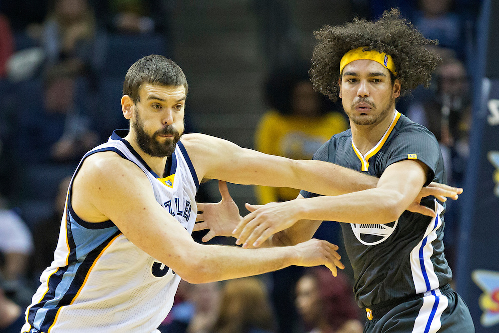 MEMPHIS, TN - DECEMBER 10:  Marc Gasol #33 of the Memphis Grizzlies fights for position against Anderson Varejao #18 of the Golden State Warriors at the FedExForum on December 10, 2016 in Memphis, Tennessee.  The Grizzlies defeated the Warriors 110-89.  NOTE TO USER: User expressly acknowledges and agrees that, by downloading and or using this photograph, User is consenting to the terms and conditions of the Getty Images License Agreement.  (Photo by Wesley Hitt/Getty Images) *** Local Caption *** Marc Gasol; Anderson Varejao