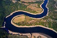 France, Loire (42), Saint-Priest-la-Roche, vallée de la Loire (vue aerienne) // France, Loire (42), Saint-Priest-la-Roche, Loire valley (aerial view)