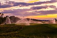 19-09-2015: Albatross Golfresort in Vysoky Ujezd, Tsjechië.<br /> Foto: Flink sproeien bij zonsondergang